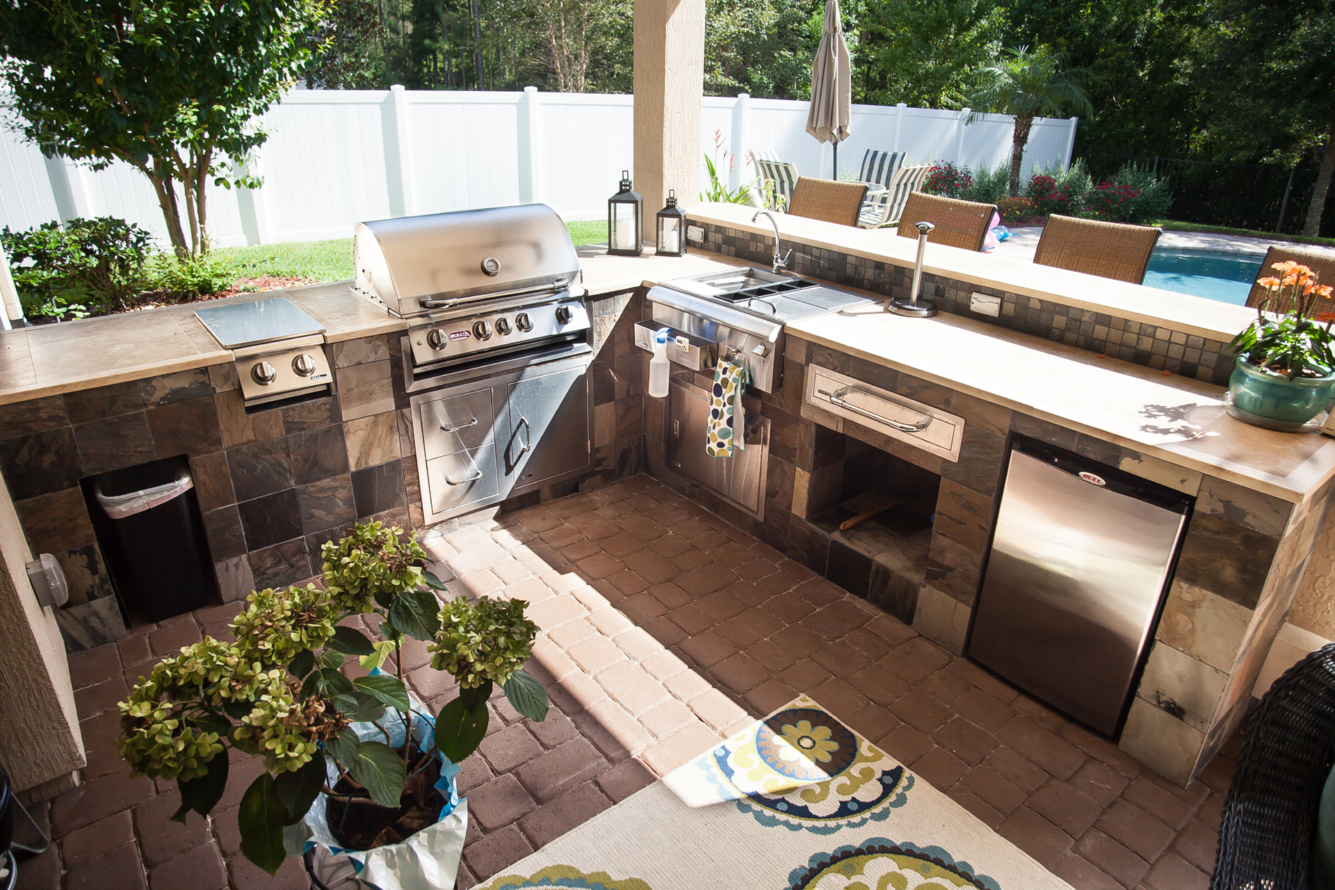 Outdoor Kitchens That Will Get You Outside